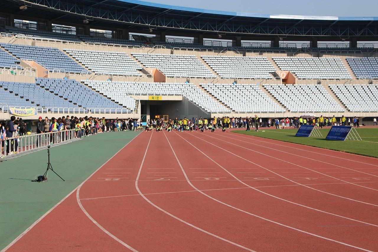 Running track in a sports stadium