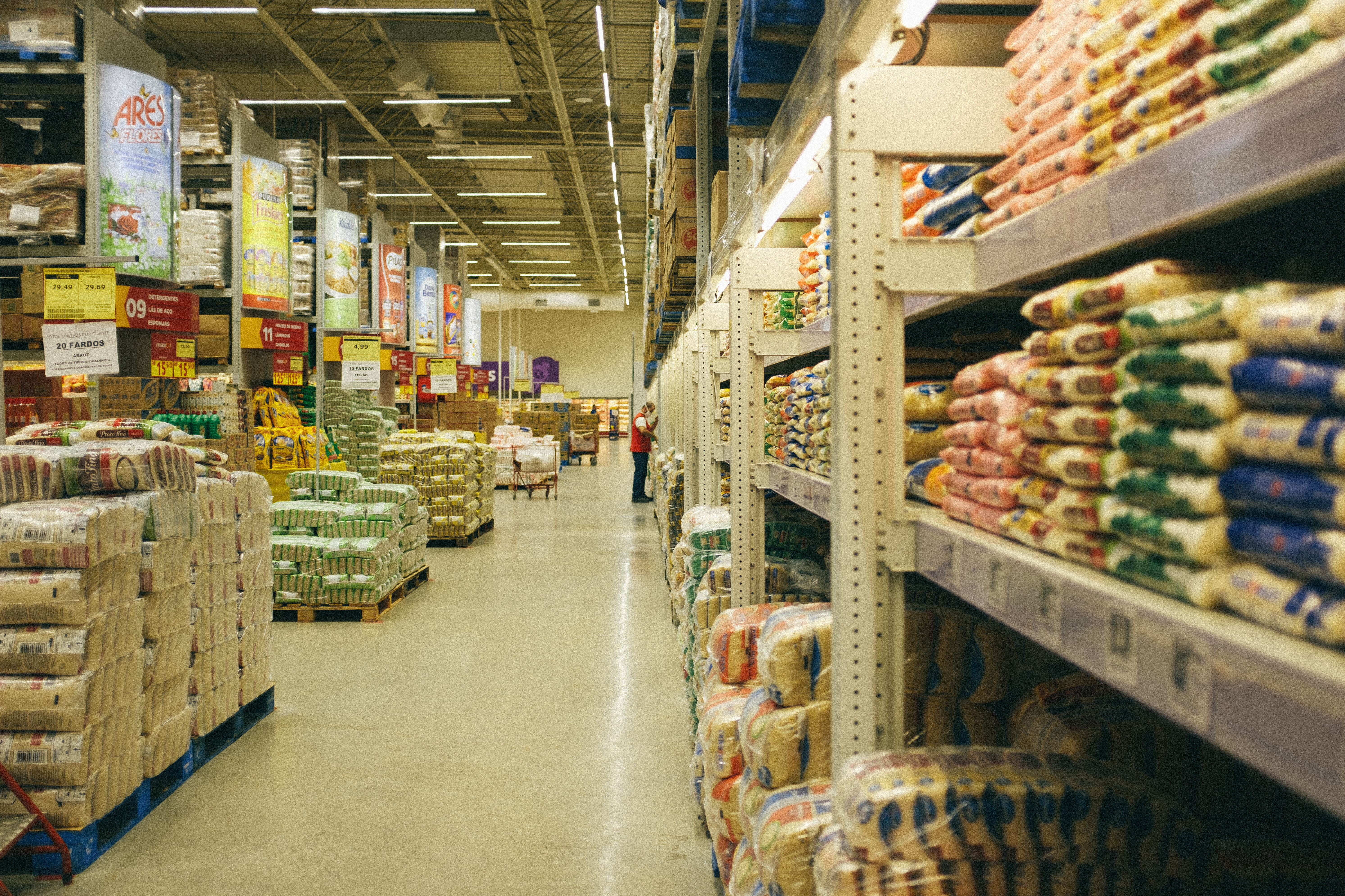 Grocery distribution center