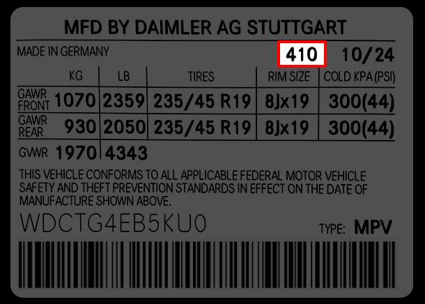 Etiketten till Mercedes där du hittar färgkoden