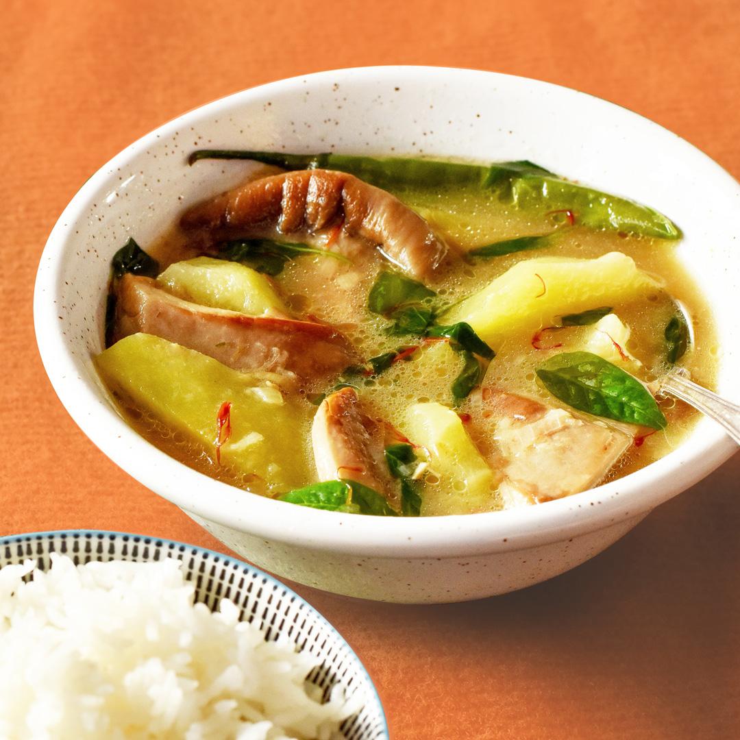 side-view-filipino-vegan-tinola-served-with-white-rice