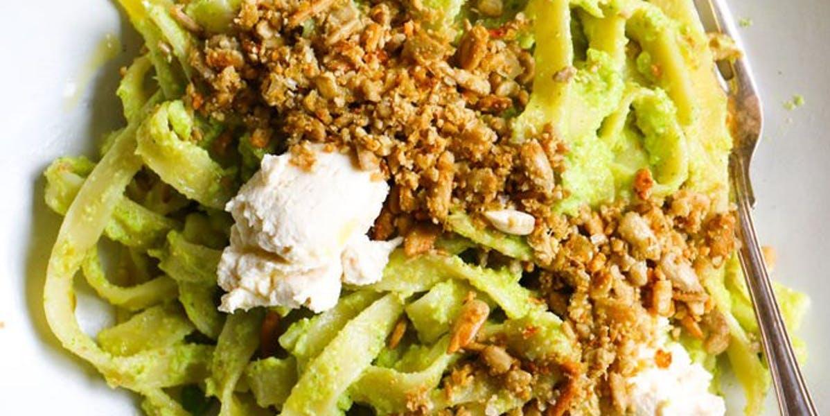 vegan broccoli pesto