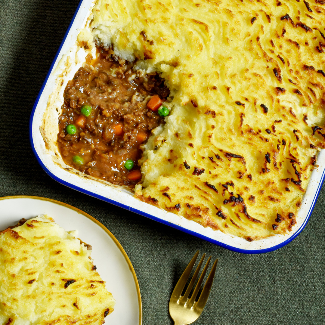 vegan-cottage-pie-in-dish-with-fork