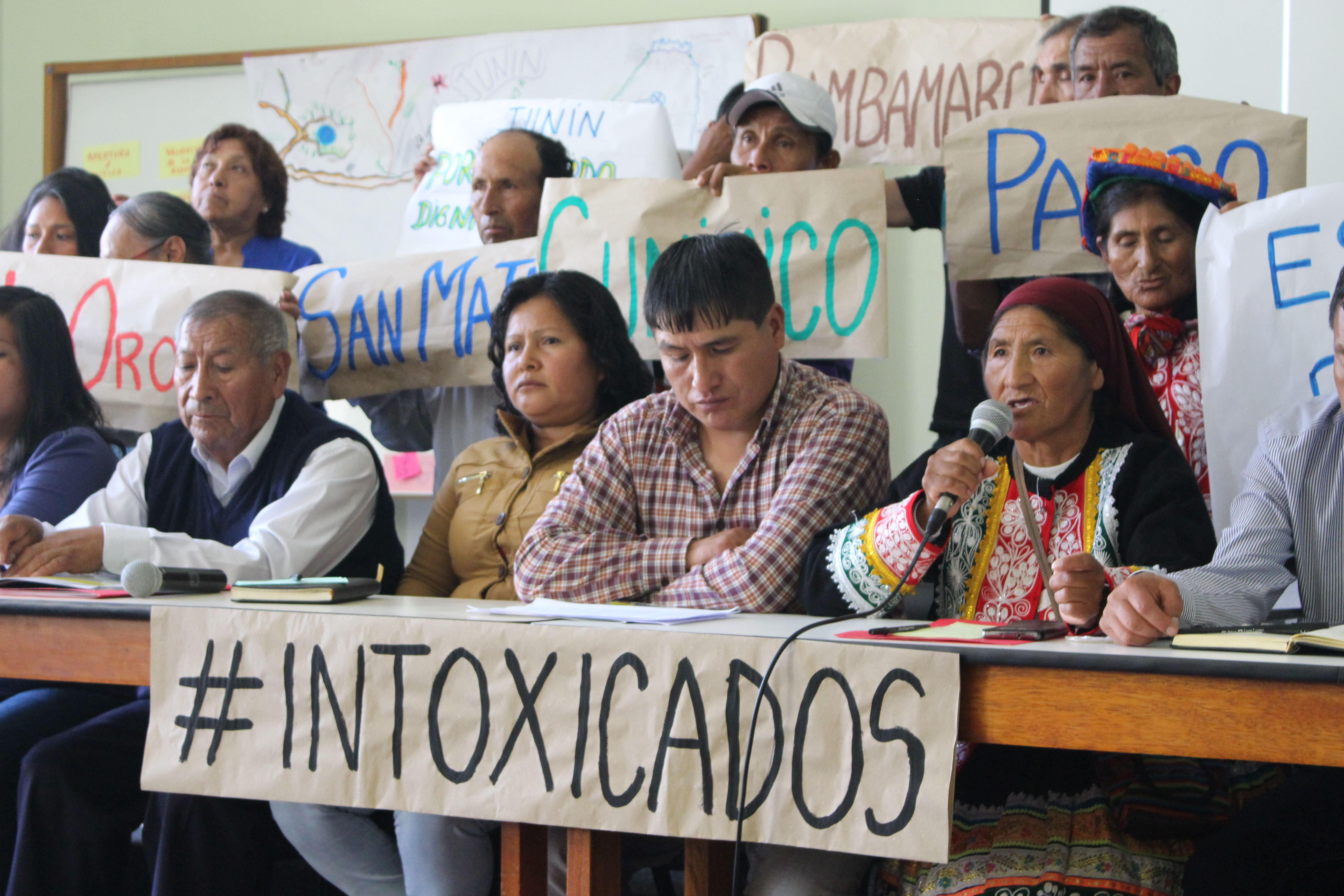 Melchora Surco speaking at the inaugural press conference of the National Platform of People Affected by Toxic Metals, where they presented their demands for the State for the first time (Amnesty International, 2018)