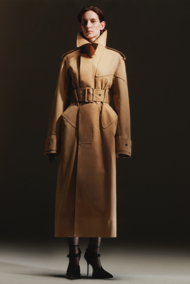 Mugler Campaign Beige Structured Trench Coat Resort 20