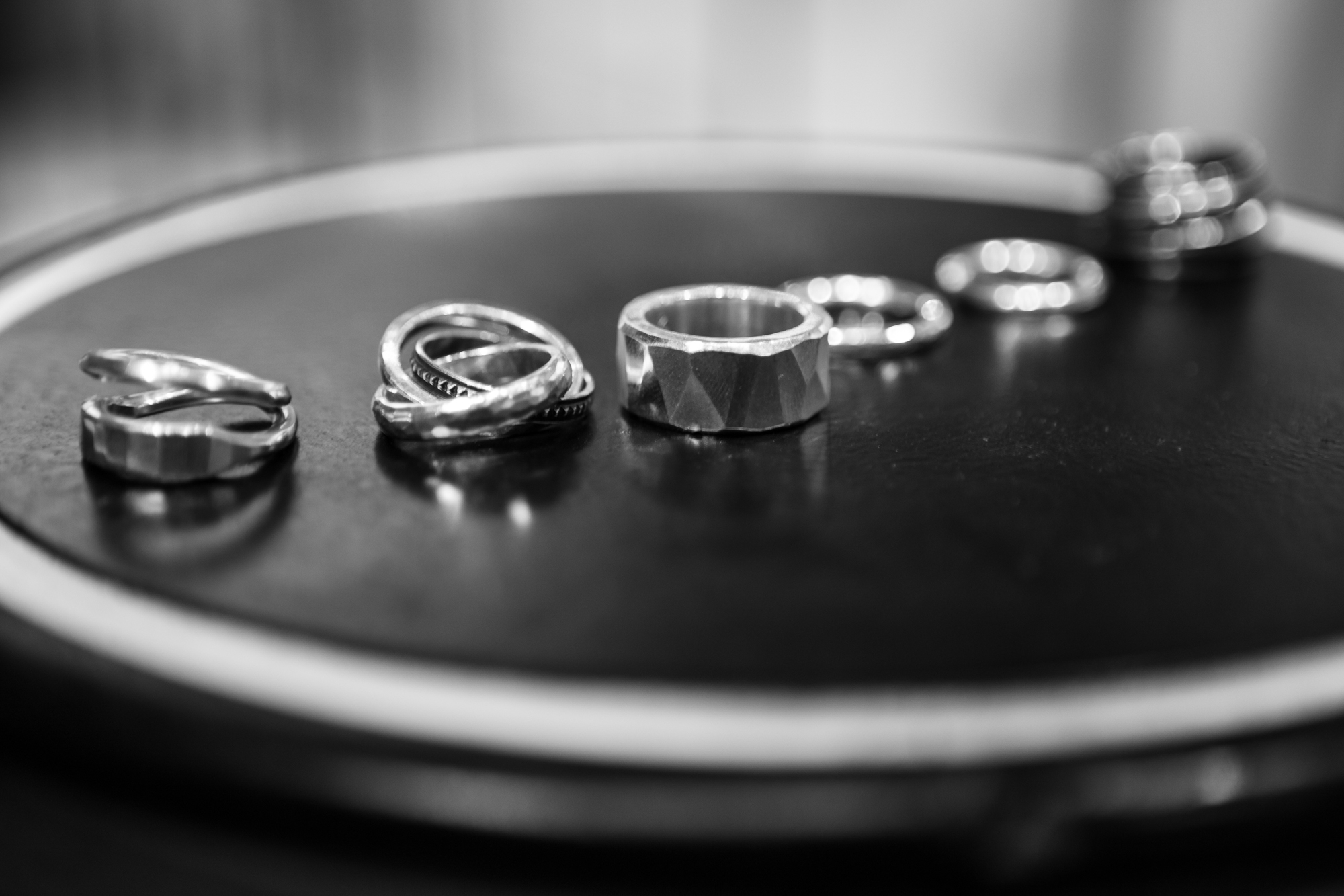 WERKSTATT:MÜNCHEN SHOWROOMHammered Rings Forever Rings on Display in Sterling Silver FW20