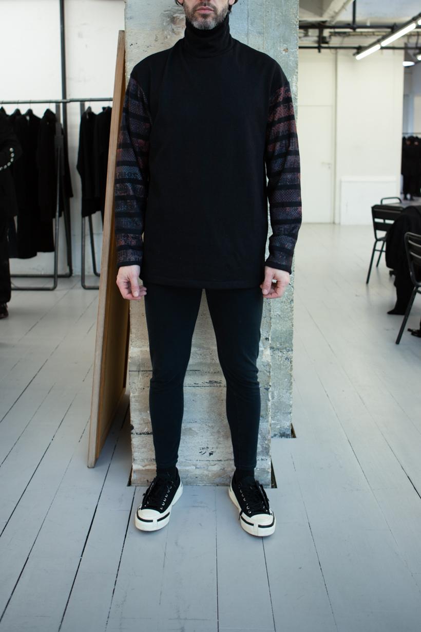 Yohji Yamamoto Turtle Neck Stripe Sleeve Jumper Skinny Sweatpants in Black FW 20