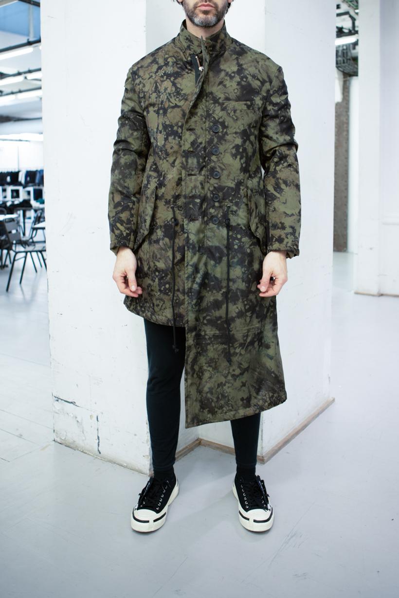 Yohji Yamamoto Asymmetrical Camo Print Coat Skinny Sweatpants in Black FW 20