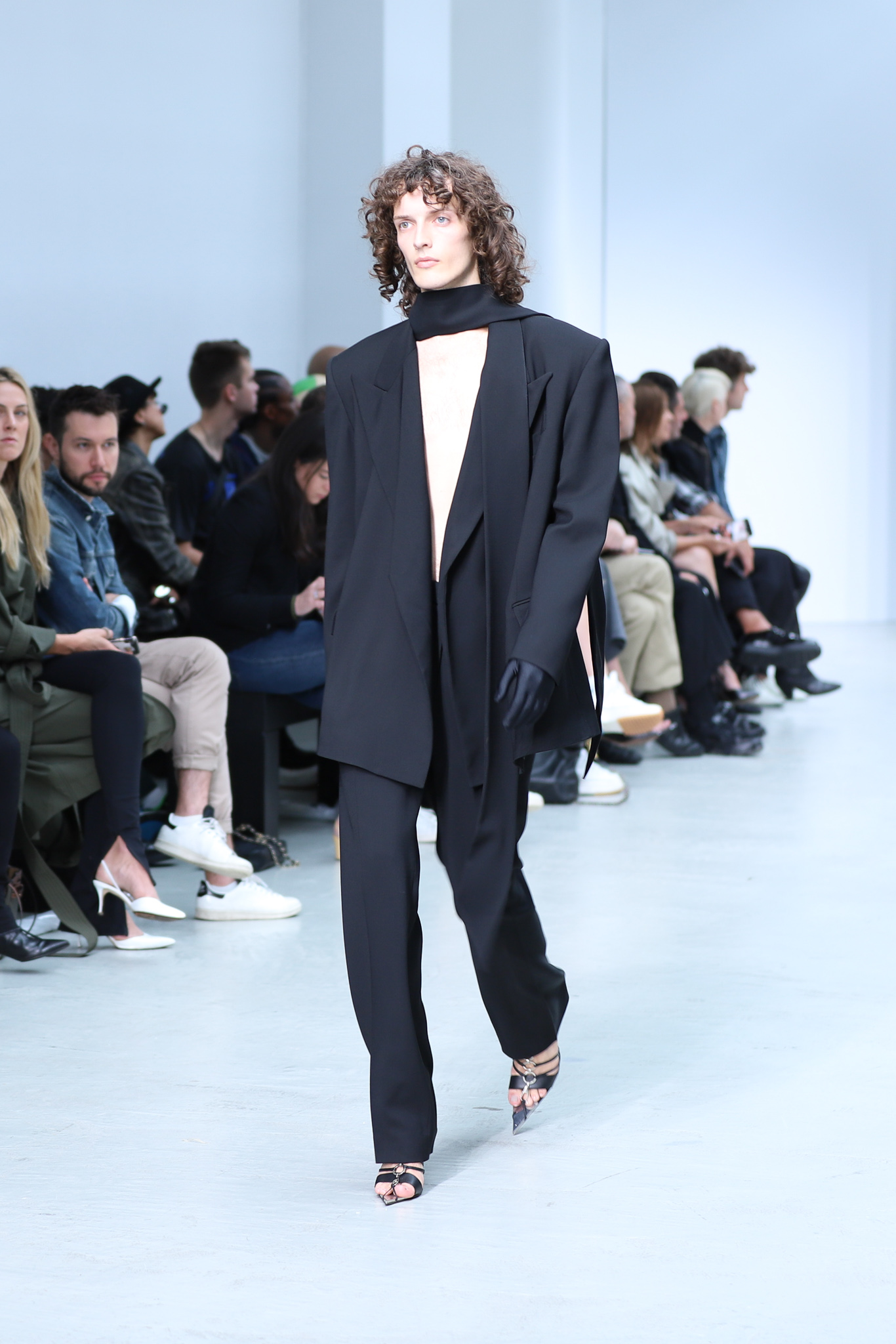 Mugler Runway Oversized Scarf Blazer in Black Loose Fit Trousers in Black Spring 20 RTW