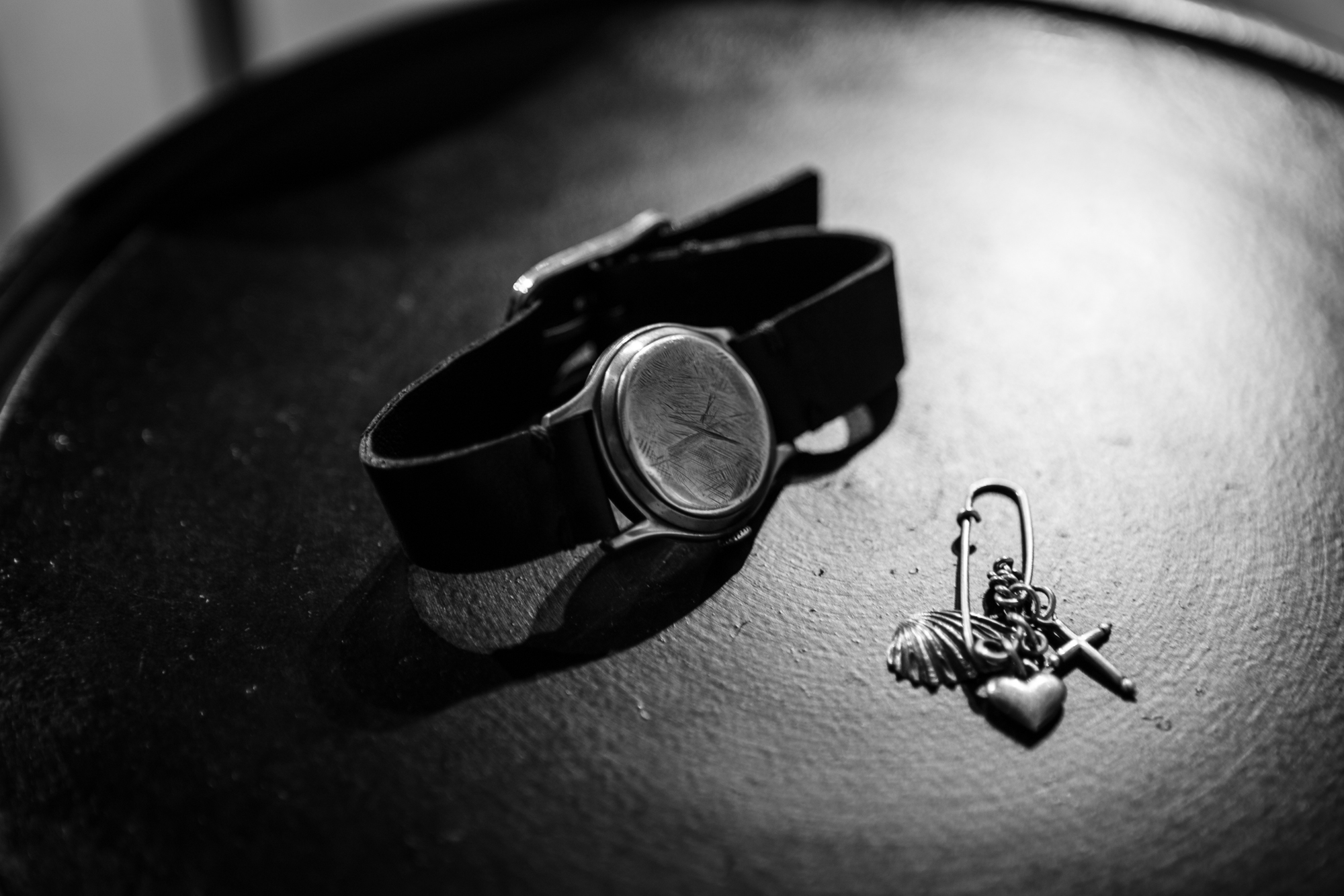 WERKSTATT:MÜNCHEN SHOWROOM Timeless Bracelet Heart Cross Charm Safety PinFW20