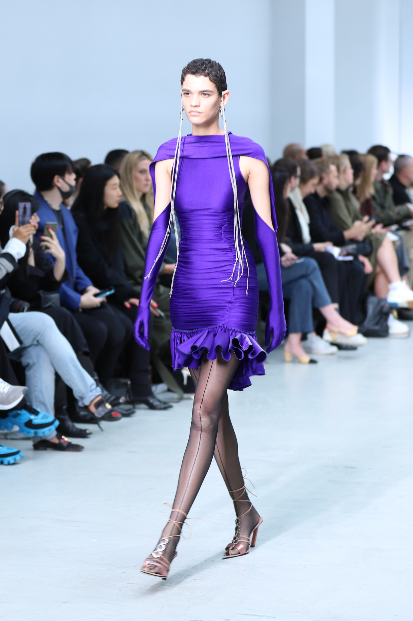 Mugler Runway Ruched Body Dress With Ruffled Bottom in Purple Connecting Long Gloves in Purple Long Earrings Spring 20 RTW