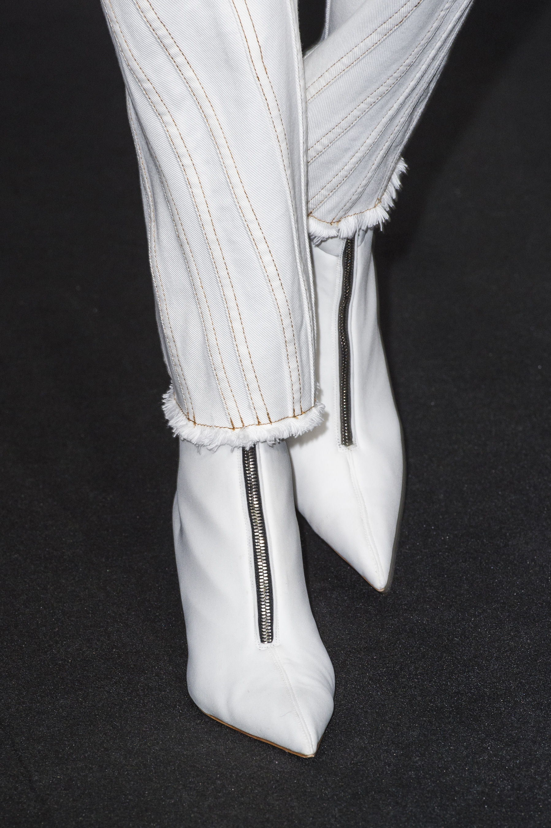 Mugler Details High Waisted Spiral Seam Stitch Jeans With Raw Bottom Hem Front Zip Boots in White Leather Spring 19