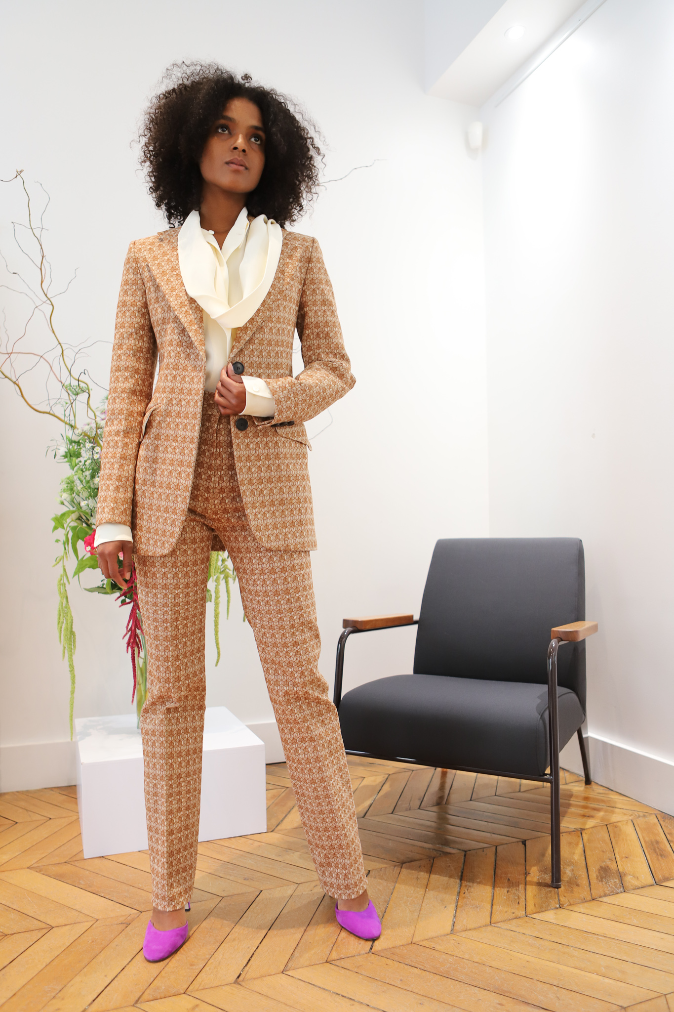 Victor Beckham Scarf Top in White Geometric Pattern Suit in Nude Spring 20 RTW
