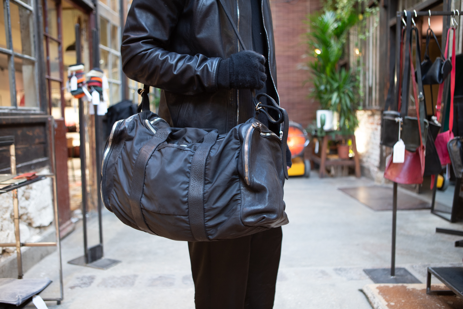 Guidi Holdall Bag in Black Leather FW20