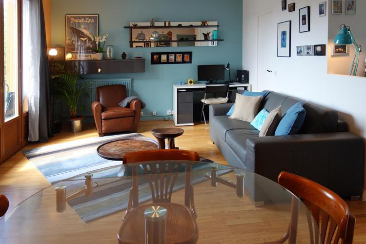 Design Singulier, Architecture d'intérieur, table en verre ronde