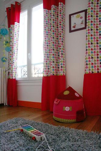 Design Singulier, architecture d'intérieur, chambre enfant, rideaux colorés