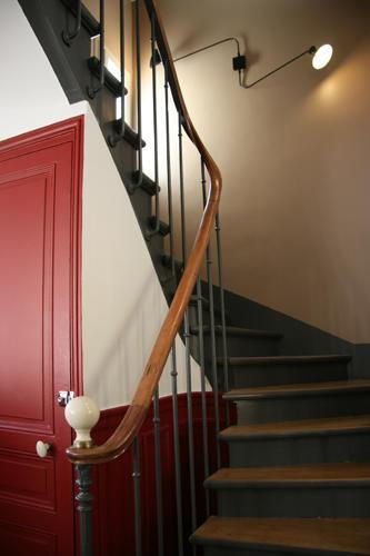 Design Singulier, Architecture d'intérieur, garde du corps peint gris