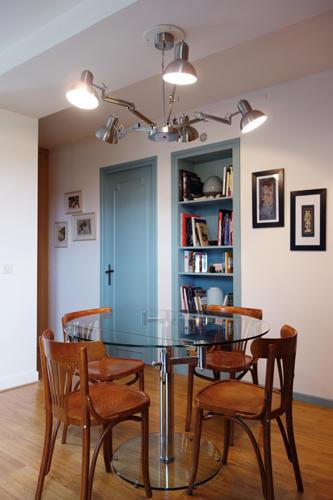 Design Singulier, architecture d'intérieur, salle à manger bleue