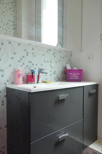 Design Singulier, Architecture d'intérieur, meuble de salle de bain laque gris