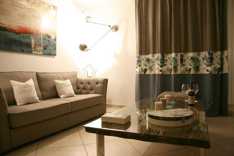 Design Singulier, architecture d'intérieur, séjour taupe et bleu