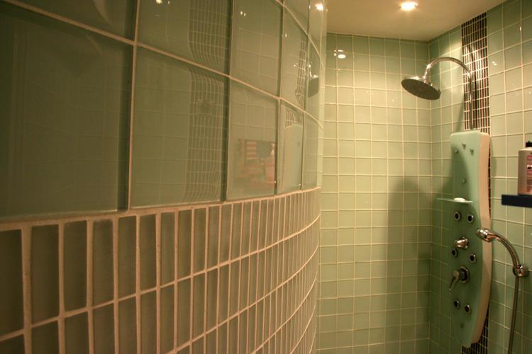 Design Singulier, Architecture d'intérieur, carrelage carreau de verre