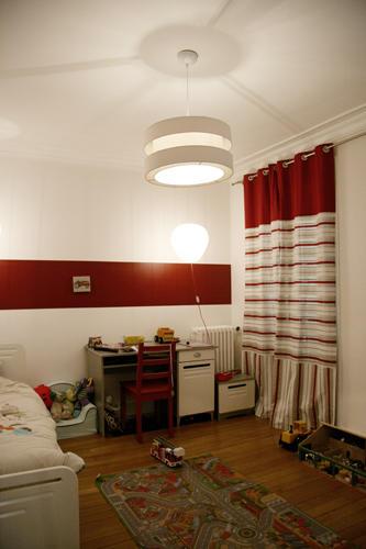 Design Singulier, architecture d'intérieur, chambre enfant, rideaux rayures