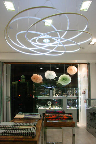 Design Singulier, Architecture d'intérieur et coordination de l'image de marque, agencement de magasin, Vade Retro