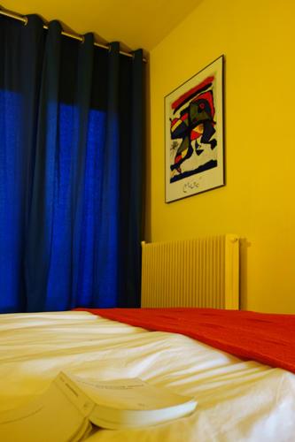 Design Singulier, Architecture d'intérieur, rideaux bleux