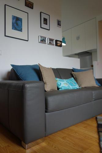 Design Singulier, Architecture d'intérieur, canapé cuir gris