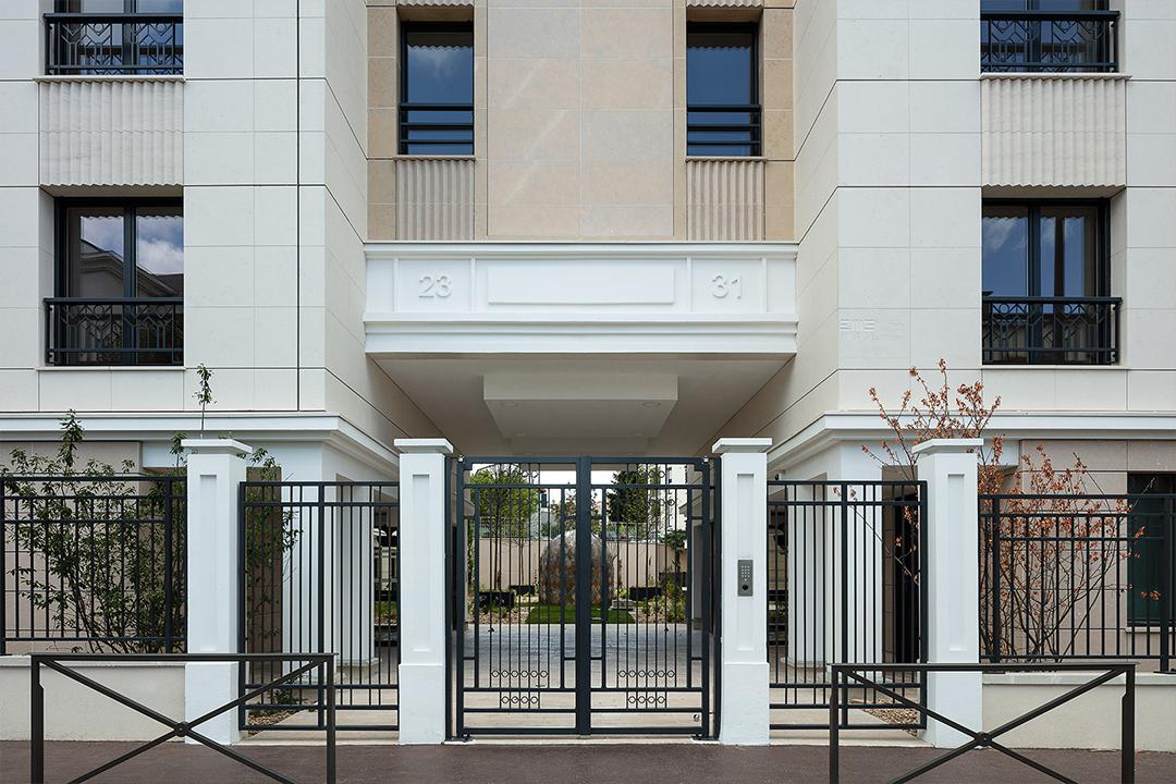 Porche du programme immobilier 23-31 rue Jean Pierre Timbaud à Chatillon