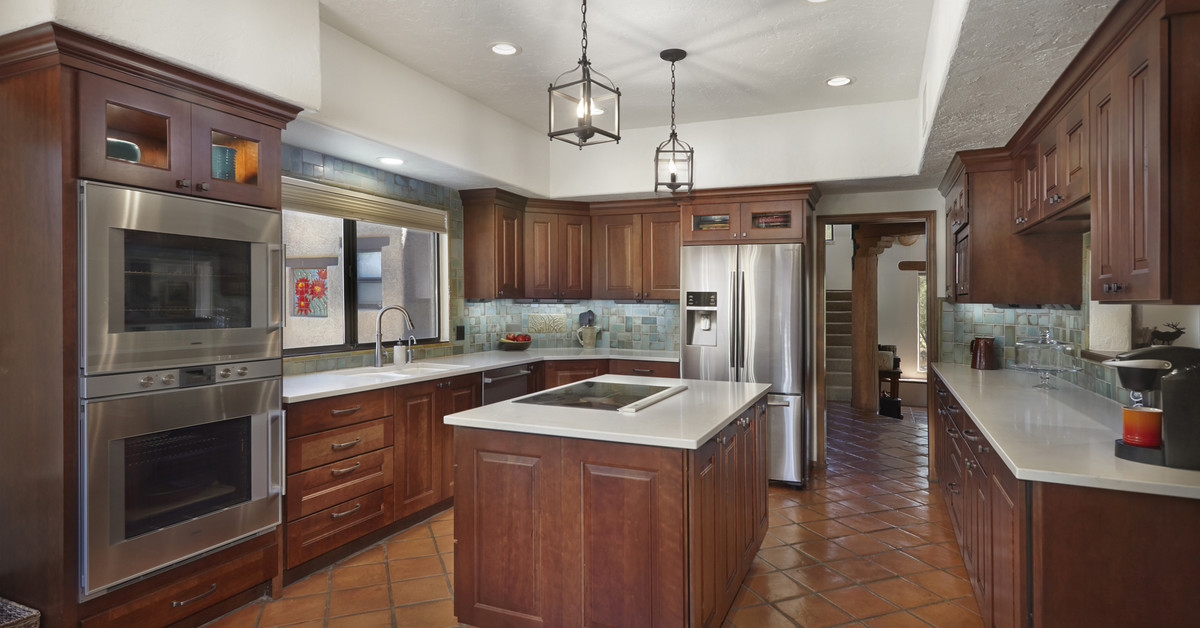 Custom tucson kitchen remodeling the aftermath for Kitchen cabinets tucson