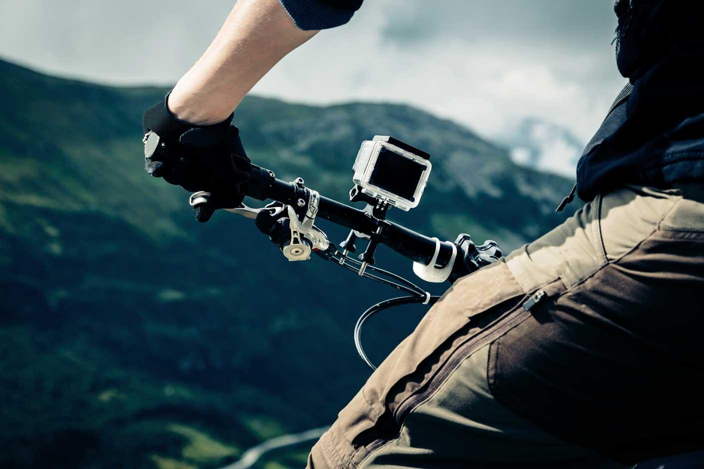 Action Cam: Aufregende Fotos durch Halterung am Lenkrad