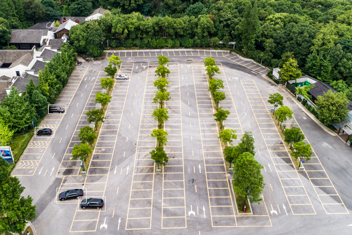 Parking spot with cars detection