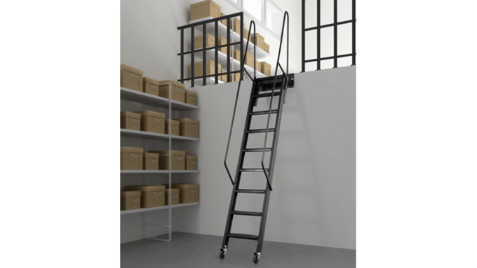 echelle mezzanine metal rr18 montrealeast. Black Bedroom Furniture Sets. Home Design Ideas
