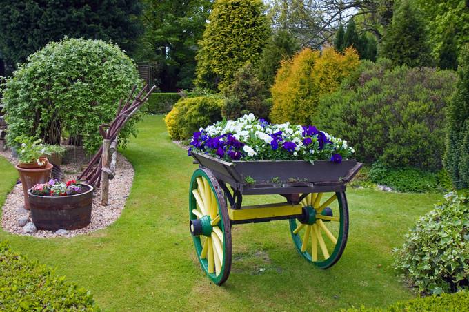 bien r ussir son jardin comment le structurer. Black Bedroom Furniture Sets. Home Design Ideas