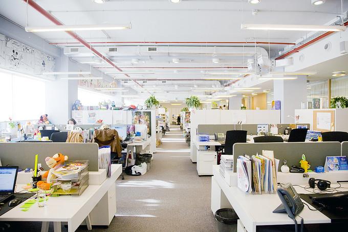 Quelles sont les avantages de choisir des bureaux open space - Amenagement d espace de travail ...