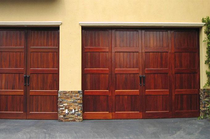 portes de garage en bois toutes les sp cificit s. Black Bedroom Furniture Sets. Home Design Ideas