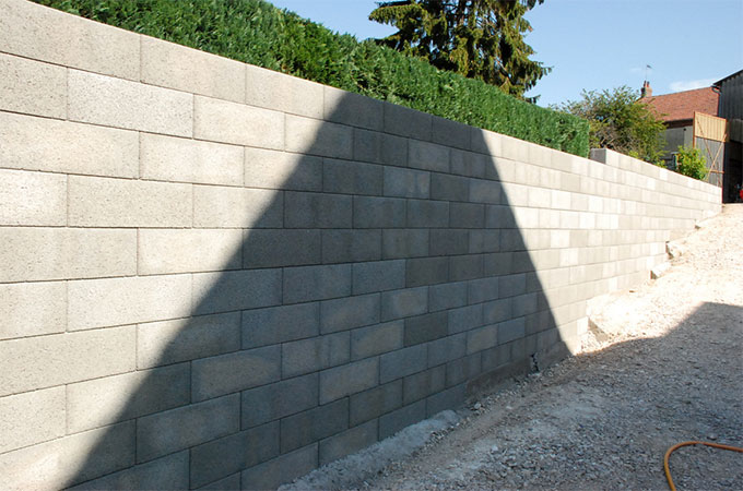 Construction un mur en parpaings la solution - Comment enduire un mur exterieur en parpaing ...