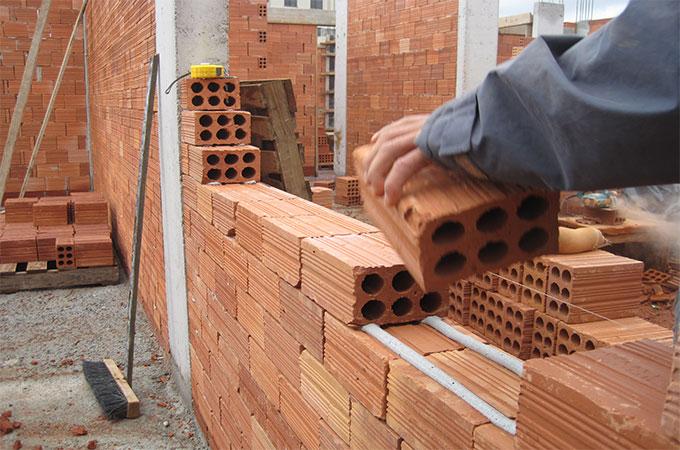 tout ce que vous devez savoir sur la construction de murs en briques. Black Bedroom Furniture Sets. Home Design Ideas