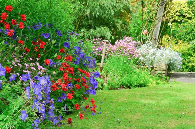 Les travaux d am nagement du jardin for Paysager son jardin