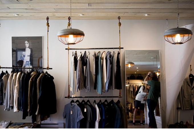 Fabulous Agencer et décorer une boutique de prêt à porter YG31