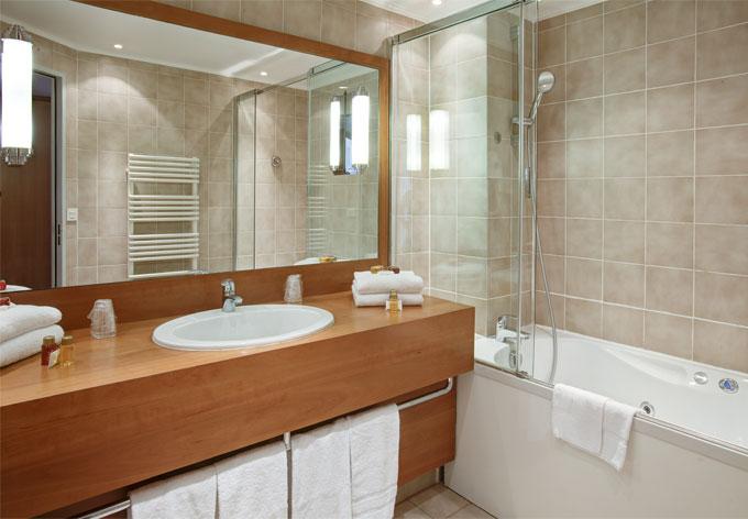 Prix pour mettre en place et raccorder une salle de bain - Cout d une salle de bain ...
