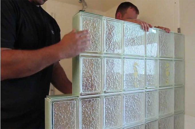 le brique de verre pour modeler l 39 espace. Black Bedroom Furniture Sets. Home Design Ideas
