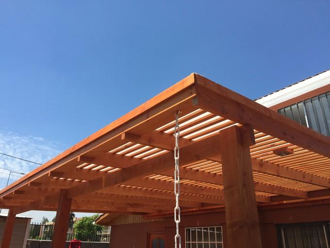 avantages et inconv nients d un toit en bois tout ce que vous devez retenir. Black Bedroom Furniture Sets. Home Design Ideas