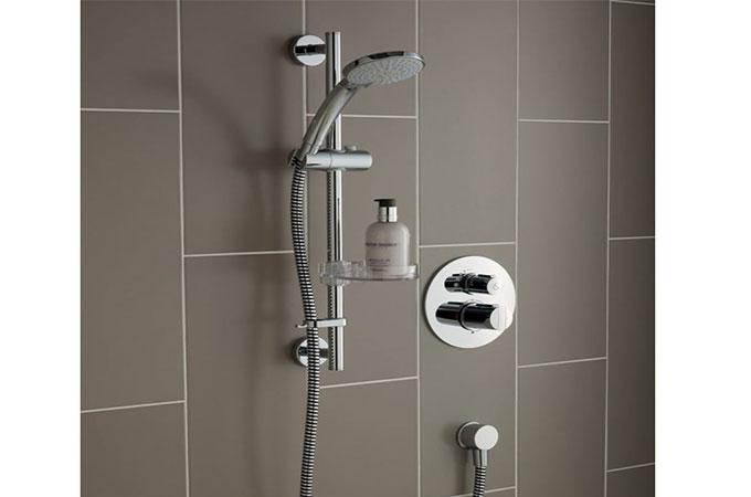 tout savoir de l installation d une douche classique. Black Bedroom Furniture Sets. Home Design Ideas