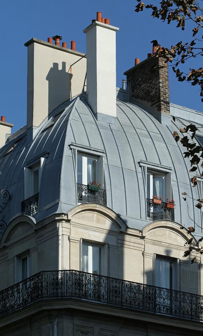tout ce que vous devez connaitre sur le toit en zinc. Black Bedroom Furniture Sets. Home Design Ideas