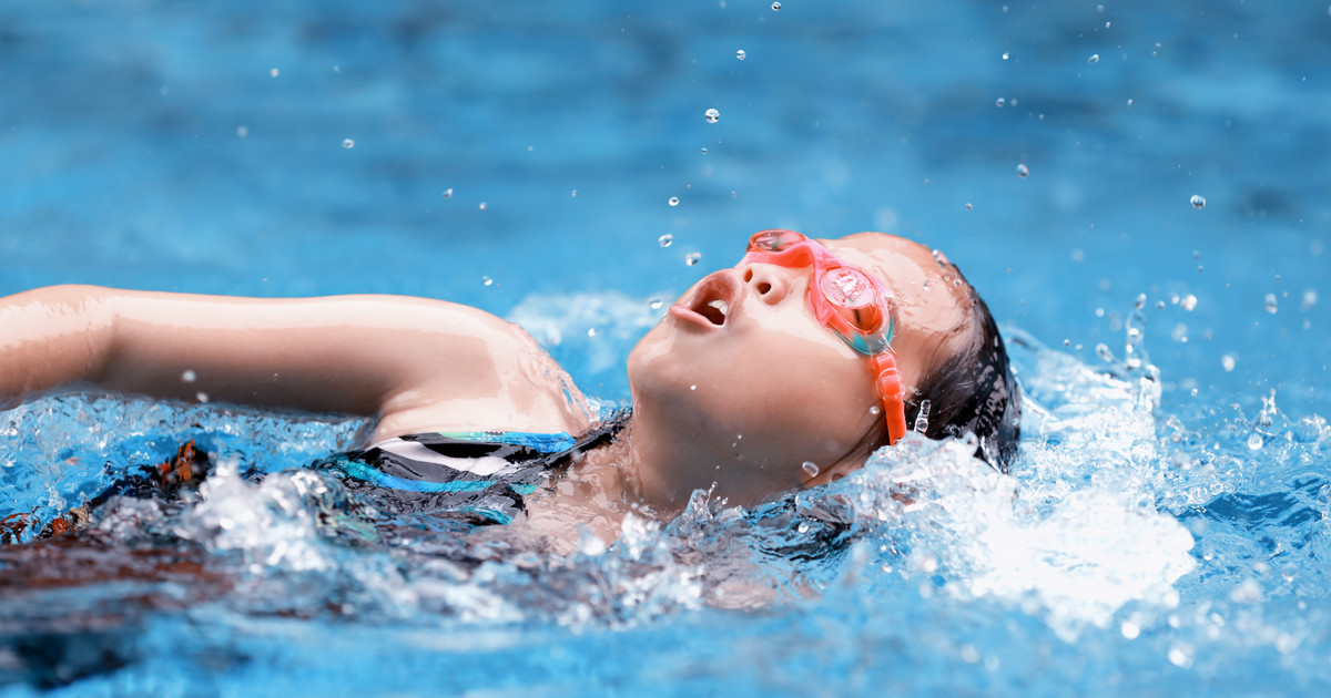 the swim competition essay The distances swum in competition swimming can vary from 50 metres in a pool to much further distances in open water health benefits of swimming swimming is a great workout because you need to move your whole body against the resistance of the water.
