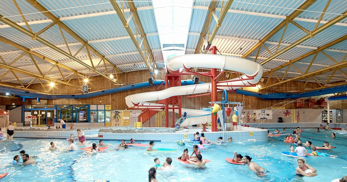 17 Top Kid Friendly Swimming Pools In The Uk Netmums