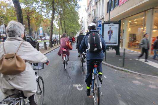 pro_velo_bike_bicycle_tour_riding