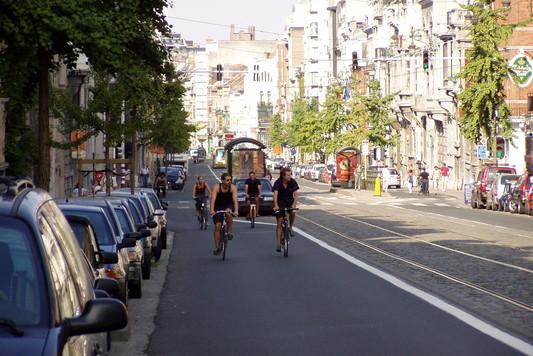 pro_velo_bike_bicycle_riding_tour_trip