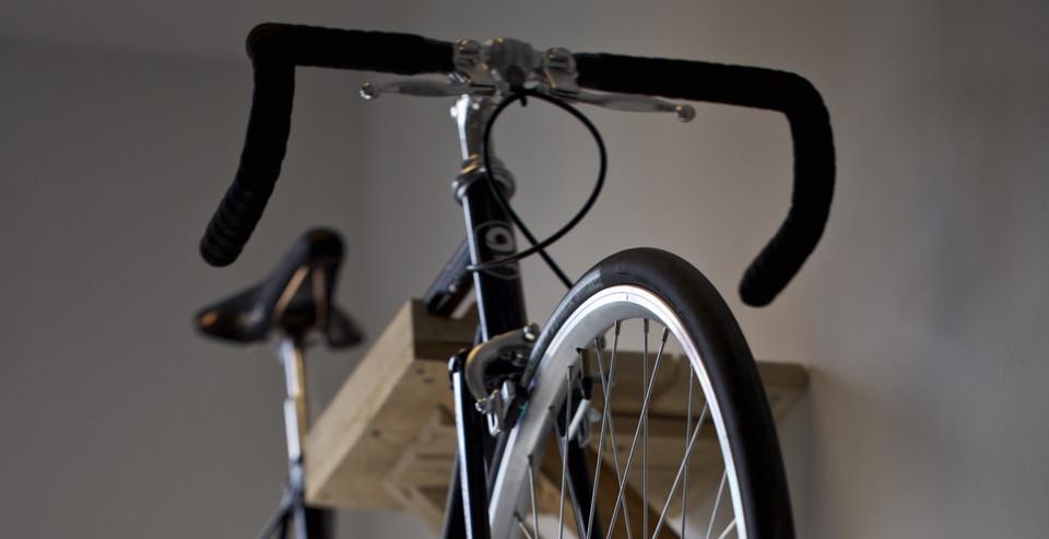 pro_velo_bike_bicycle_hook_house_corridor_hall_lobby_support_bracket